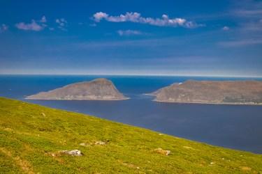 Blick auf die Inseln Skorpa und Nerlandsøy vom Hidsegga aus