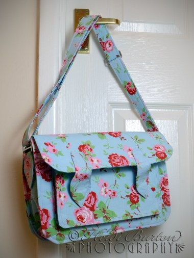 5th June 2013 - had a break from quilting and treated myself to (making) another bag :-) This was a bit of a challenge to make, and is far from perfect - all the layers were a bit of a pain and meant some of the stitches went a bit wonky!