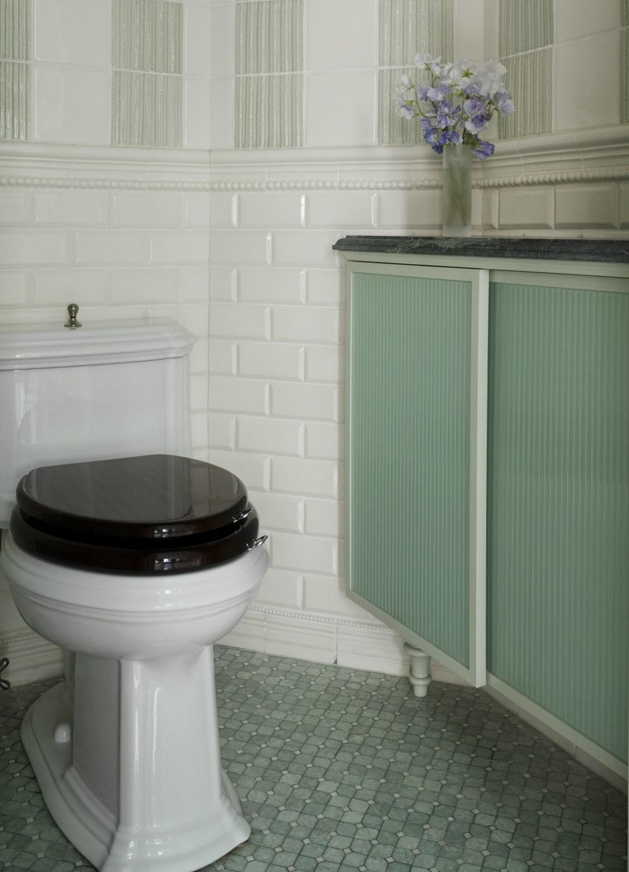 Heidi Pribell Bathroom Vignette
