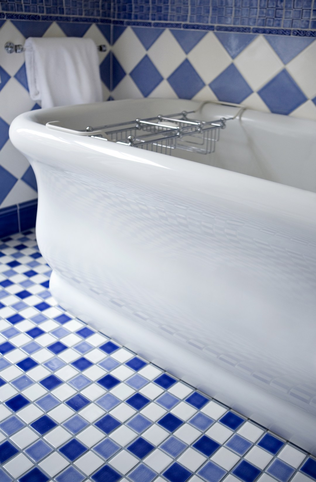 Heidi Pribell Blue bathroom tub