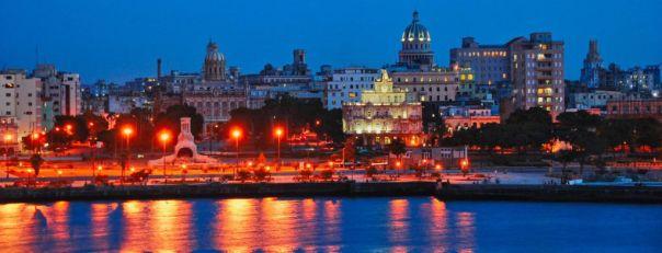 Havana_Vieja_at_Night