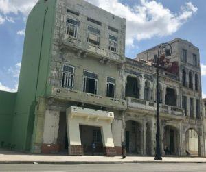 Supporting_Facade_Habana_Bienal_2019_photo_by_Heidi_Siefkas