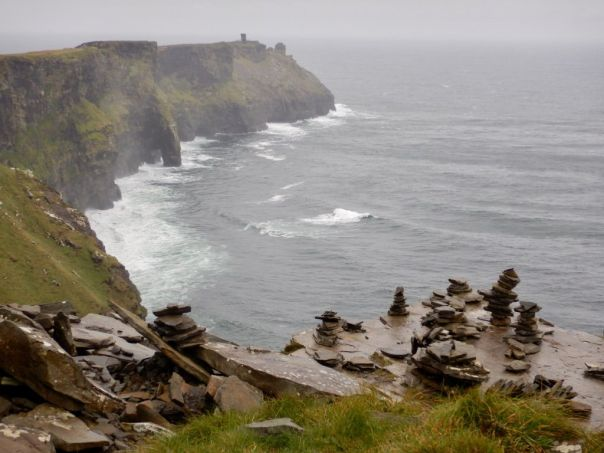 Cliffs_of_Moher_Remembrance_Stones_Ireland