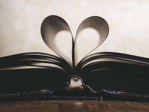 Book_Heart_Shape
