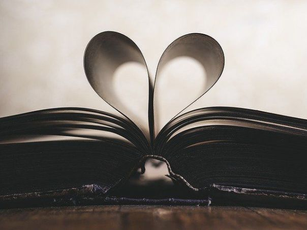 Book_Heart_Shape