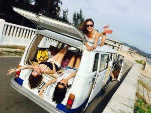 Road-trip-van-with-ladies