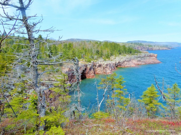 the view from shovel point at tettegouche state park