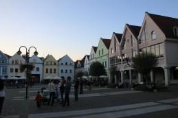 neue Häuser am Marienplatz, die sich perfekt an das historische Format anpassen - ohne historisierend zu wirken