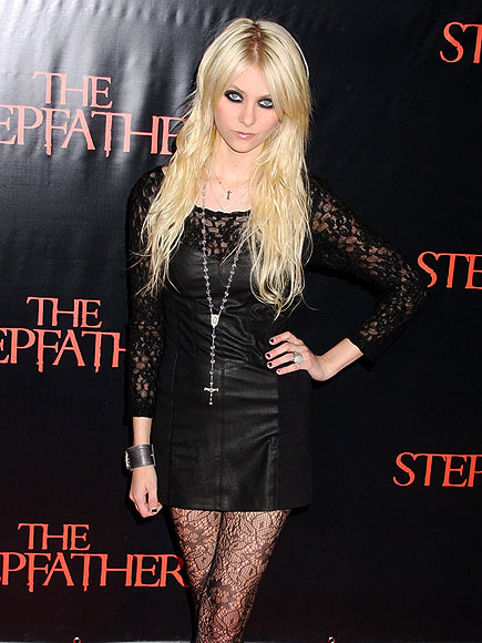 Taylor Momsen Measurements Height And Weight