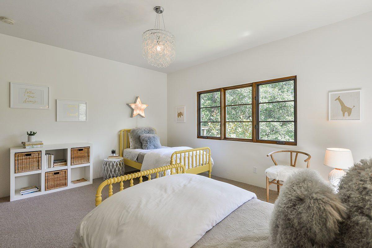Stephen Curry's kids room