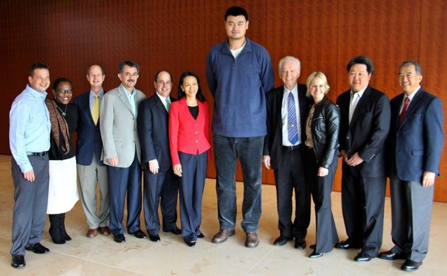 Yao Ming Height Weight Waist, Chest, Neck and Shoe Size