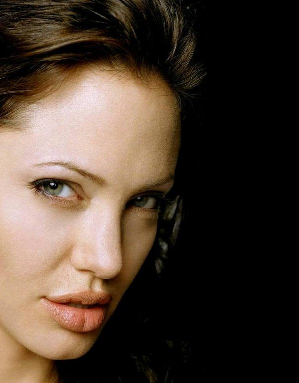 Angelina Jolie's lips dp