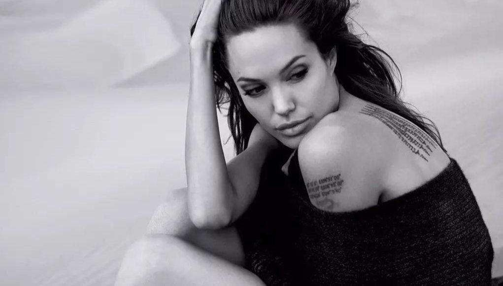 Angelina Jolie's height dp