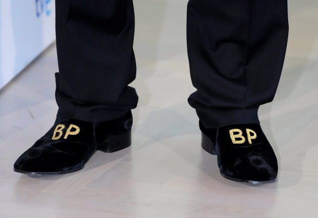 Brad Pitt's height shoes