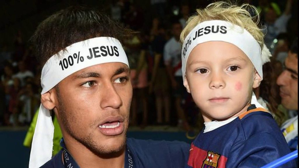 Neymar's girlfriend 8 son
