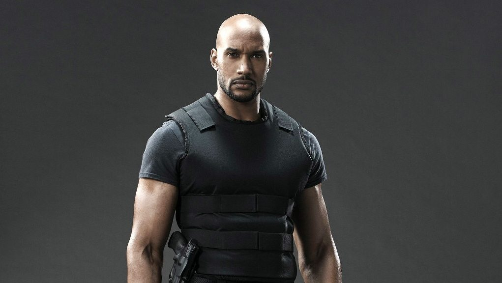 Henry Simmons Wife, Twin Sister, Height, Bio, Body ...