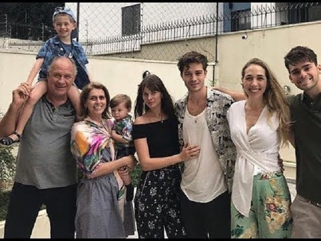 Francisco Lachowski with his family in Brazil