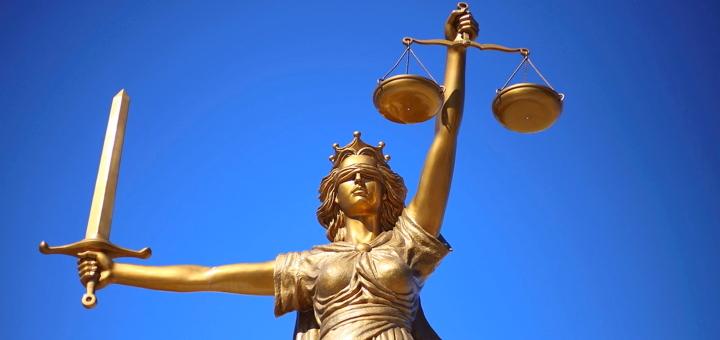 Heilpraktikerin gewinnt vor Gericht gegen bekannteste Anti-Heilpraktiker-Lobbyistin