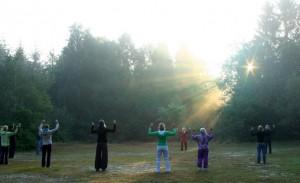 Sonnenenergie mit den Lagong Punkten aufnehmen, durch Qigong, bei Heilpraktikerin Doris Seedorf