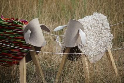 Etsy-Heimarbeit: Selbstgebastelte kreative Schafe