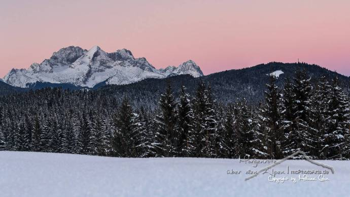 Morgenröte über den Alpen