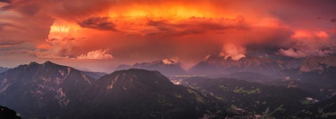 Gewitter und Sonnenuntergang