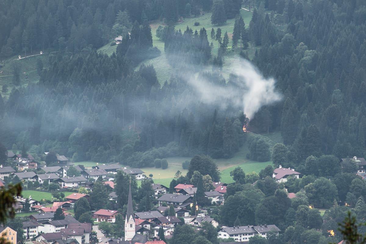 Johannifeuer über Garmisch-Partenkirchen, die ersten Feuer werden entzündet