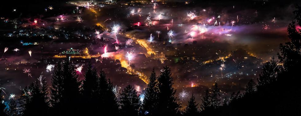 Neujahr mit Blick auf Garmisch-Partenkirchen von der Eckenhütte
