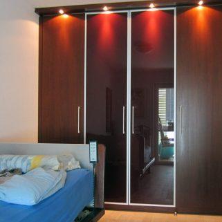 moderner Schlafzimmerschrank