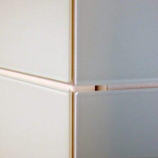 Detail Schranktüren und Schrankseiten aus Glas