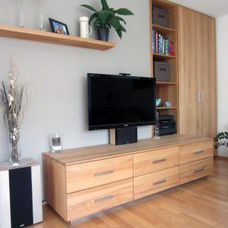 Wohnzimmersideboard in Naturholz