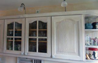 oberen Küchenschränke