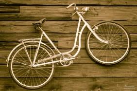 Fahrrad an der Wand.
