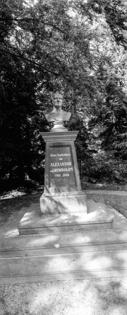 Humboldt-Denkmal.