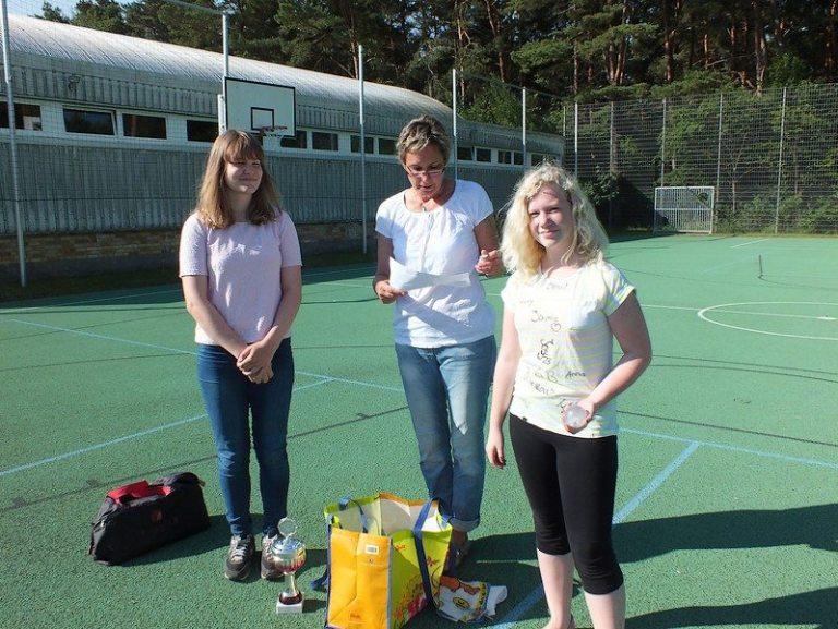 Siegerinnen im Hufeisen-Zielwurf