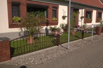 Schmiedeeisenzaun, Stahl feuerverzinkt und pulverbeschichtet, Polen