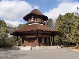 平成芭蕉と俳聖芭蕉の故郷に建つ俳聖殿