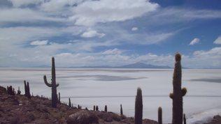 世界で最も平らな場所「ウユニ塩湖」