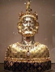 カール大帝(シャルルマーニュ)像