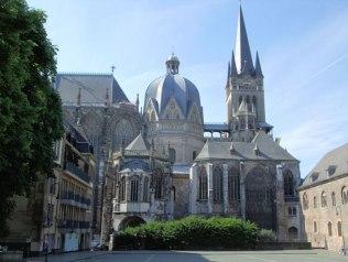 カール大帝の「アーヘン大聖堂」