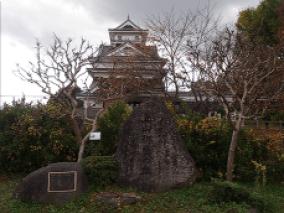 上山城とバード称賛の碑