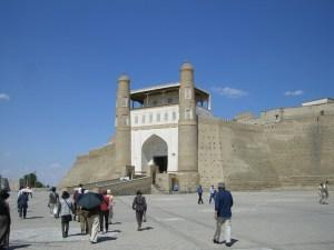 古代ブハラ発祥の地「アルク城」