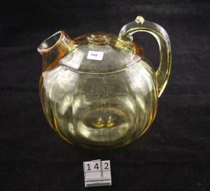 1231 Ribbed Octagon rum pot in Sahara (142)