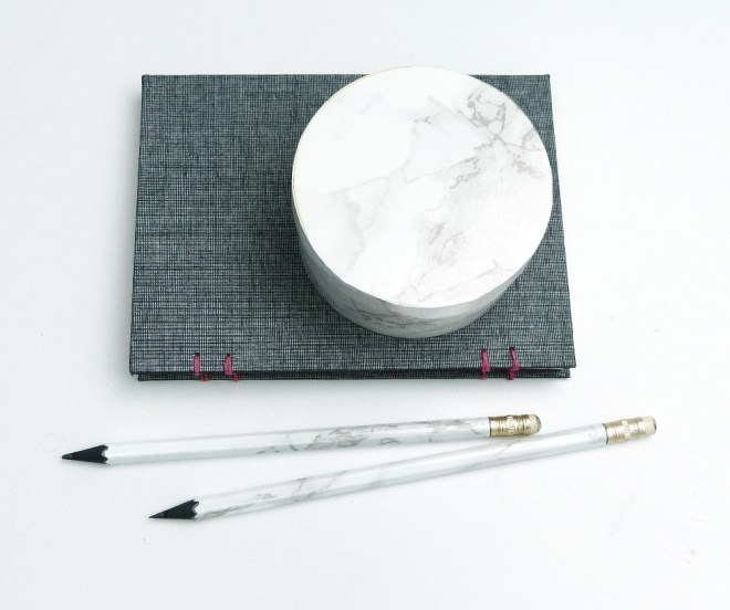 Learn how to marble pencils in no time