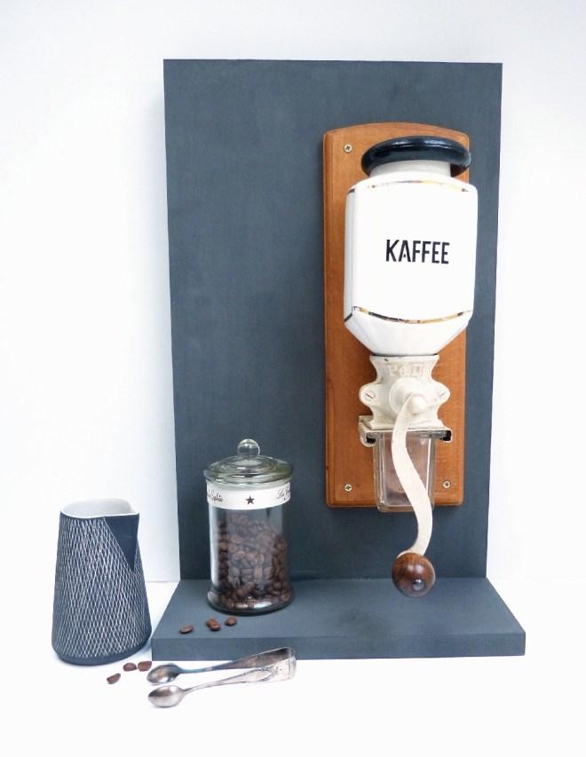 Kaffeestation DIY. Mobile Wandfläche bauen.