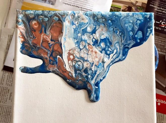 Acrylic Pouring nach Einsatz eines Foens