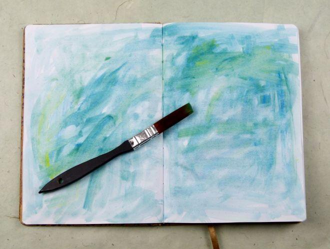 Art Journal mit einfachem Aquarell-Hintergrund und Pinsel