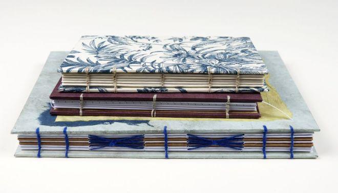Stapel Notizbücher mit koptischer Bindung