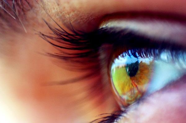 Beautiful-Long-Eye-Lashes