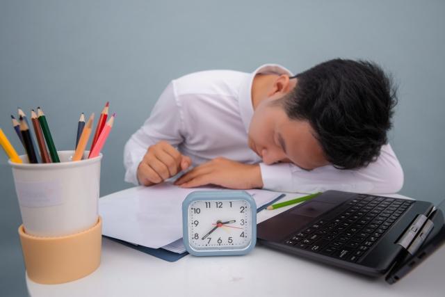 關於睡眠:4種小睡,消除疲勞各有神效..